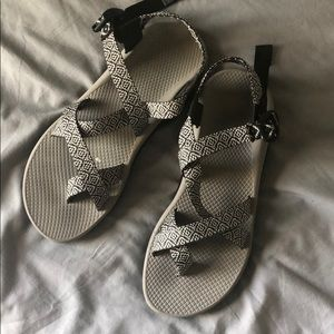 CHACO NEARLY NEW